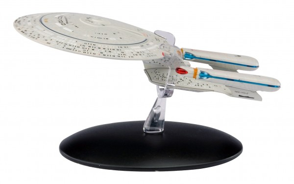 USS Enterprise N.C.C. 1701-D starship model with english magazin #1 Eaglemoss Star Trek