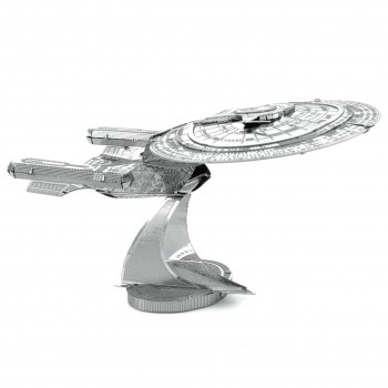 Metal Earth Star Trek metal kit U.S.S. Enterprise NCC-1701-D